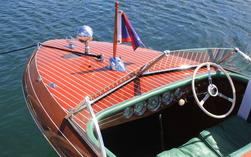 """""""In The Mood"""" 1941 19' Chris Craft Custom retains all of its original sides and deck planking Tom & Susan Parsons Charlevoix, Michigan"""