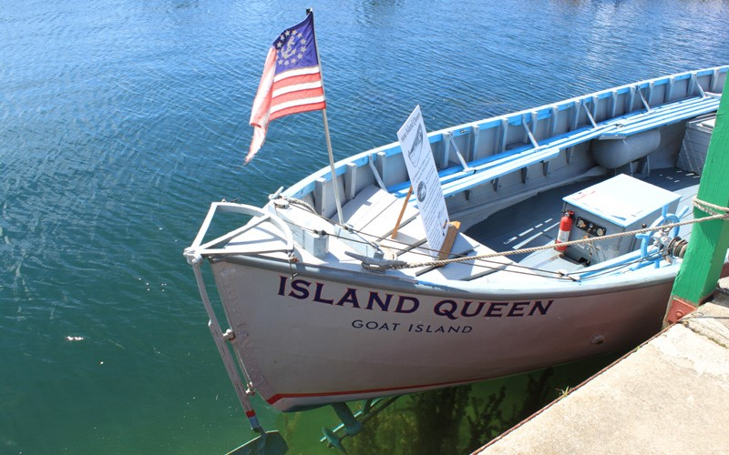"""ACBS Most Original Award a 26' 1919 32hp Kermath inboard the """"Island Queen"""" owned by Dupre Brothers Goat Island, Michigan"""